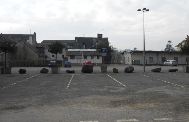 Stationnement Camping-Cars (ancienne gare) 1 - Bagnoles-de-l'Orne