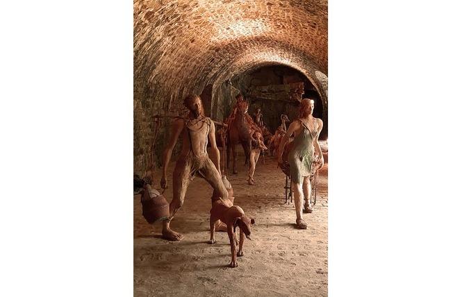 Exposition Fanny Ferré : visites découvertes de l'exposition dans les grottes 2 - Bagnoles-de-l'Orne Normandie